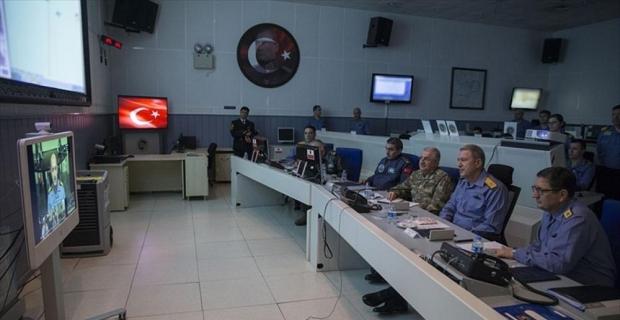 Orgeneral Akar, koordinasyon merkezinden gemi komutanlarıyla bağlantı kurdu