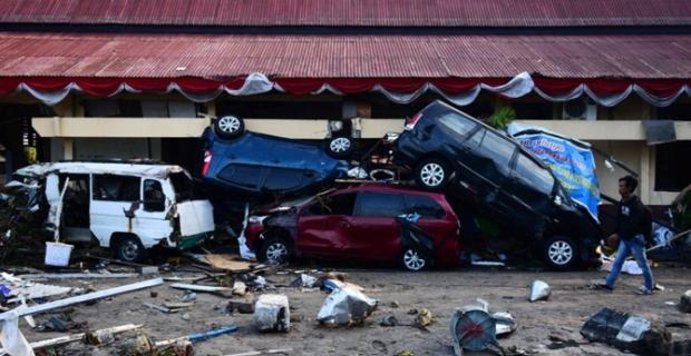 Endonezya'da can kaybı 832'ye yükseldi