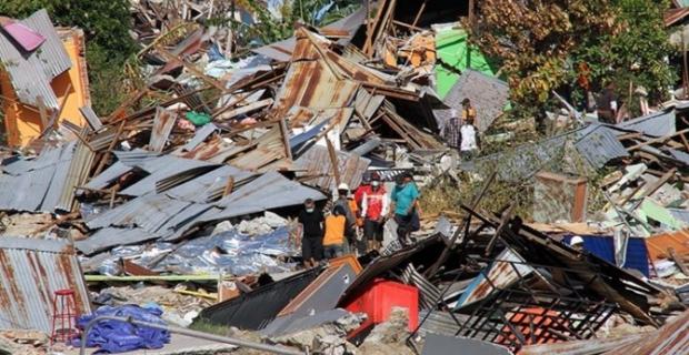 Endonezya'daki depremde ölü sayısı 1558 oldu