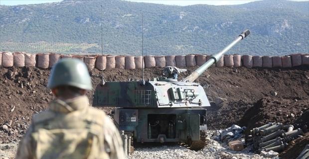 TSK Suriye'de YPG/PKK'lı teröristleri obüslerle vurdu