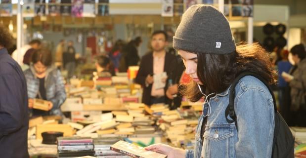 İndirimli kitap günleri CNR Kitap Fuarı'nda sürüyor