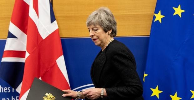İngiltere'den anlaşmasız ayrılık senaryosu için gümrük planı