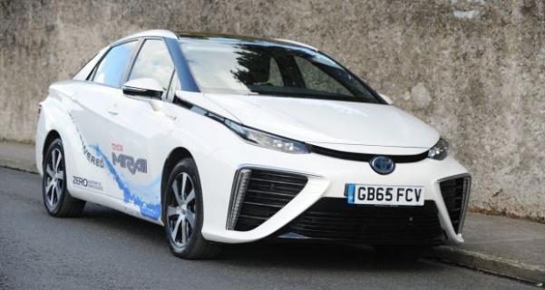 Paris taksileri, hidrojen yakıtlı Toyota Mirai oluyor