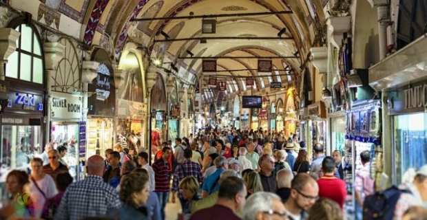 Artan turist sayısı Kapalıçarşı'yı hareketlendirdi
