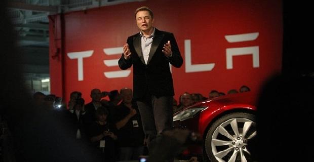 Elon Musk elektrikli uçaklar için tarih verdi