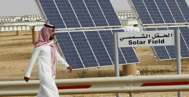 Petrol zengini Suudi Arabistan ekonomisini 'güneşe' çevirdi