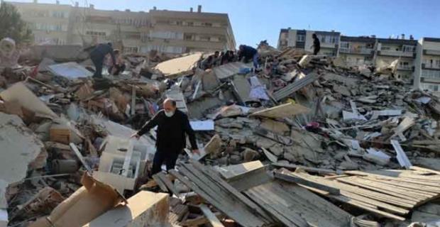 İzmir'i 6,6'lık deprem vurdu: 6 can kaybı, 257 yaralı