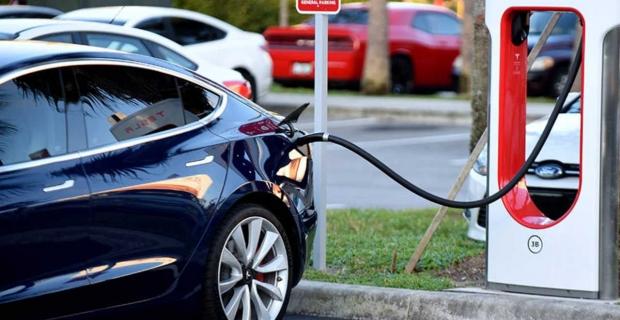 Elektrikli araçla 5 gün şarj etmeden yol almak mı?