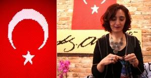 Mehmetçik için 90 bin 112 ilmekli Türk bayrağı ördü