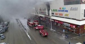 Rusya'daki AVM yangınında ölü sayısı 53 oldu