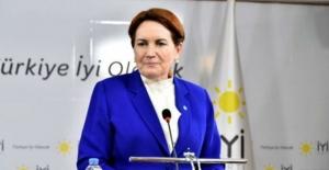Akşener, partisinin genel merkezinde açıklama yaptı