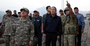 Bakan Akar ve komuta kademesinden Aktütün'e bayram ziyareti