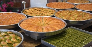 Kurban Bayramı'nda baklava üretimi katlandı