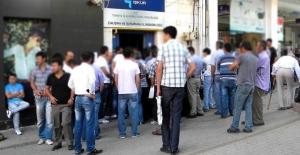 Kayıtlı işsiz sayısı 200 bin kişi arttı