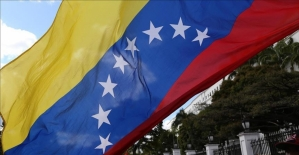Venezuela ABD'deki tüm diplomatik personelini geri çekiyor
