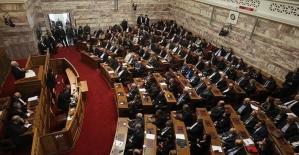 Yunanistan, Makedonya ile varılan isim sorunu anlaşmasını onayladı