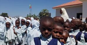 Türk gönüllüler eğitim çalışmalarıyla Nijerya'nın geleceğine ışık tutuyor