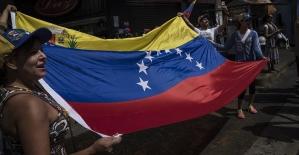 Venezuela'da muhalefet 'yardımları' beyaz giyerek ülkeye sokmayı deneyecek