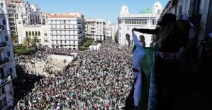 Cezayir'de protestoların 10'uncu haftasında yüz binler sokakta