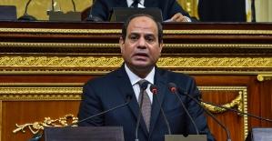 Mısır Cumhurbaşkanı Sisi'nin 2030'a kadar görevde kalmasının yolu açıldı