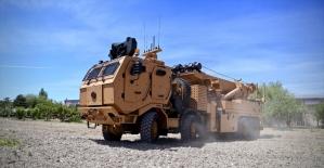 Zırhlı askeri araçların 'cankurtaran'ı kışla yolunda