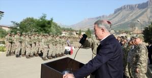 Cumhurbaşkanı Erdoğan Pençe Harekatı'na katılan askerlerin bayramını kutladı