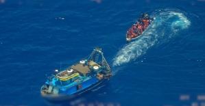 Düzensiz göçmenleri almayan İtalya'ya 'insan hakları ihlali' suçlaması