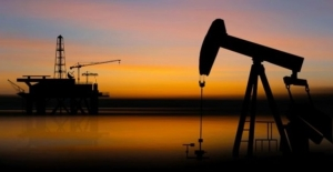 Petrol ekonomik yavaşlama endişeleri ile düştü