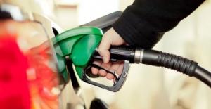 Benzin fiyatlarına bir indirim daha