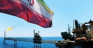 İran: Gemilerimiz tehdit edilirse ABD savaş gemilerini vuracağız