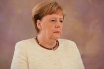 Almanya Başbakanı Merkel ikinci kez titreme nöbeti geçirdi