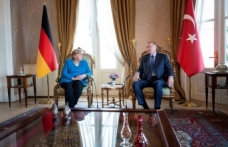 Merkel: Almanya ve Türkiye göçmen sorununu tek başına çözemez