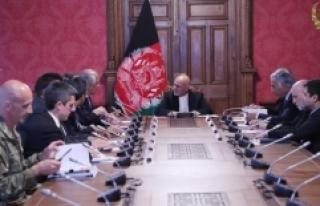 Afganistan Cumhurbaşkanı Gani, ABD Temsilcisi Halilzad'la...