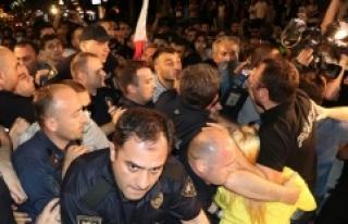 Gürcistan'da protestocular ve polis arasında...