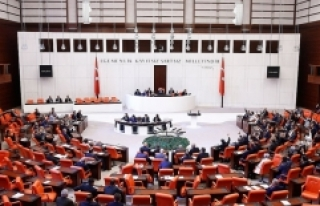 Mecliste yeni askerlik sisteminin görüşmelerine...