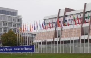 Rusya Avrupa Konseyi'ne 5 yıl sonra geri kabul...
