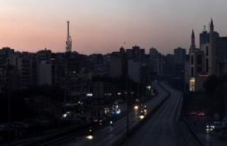 Lübnan'da kriz derinleşiyor: Santrallar durdu...