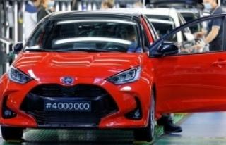 Toyota 14 tesisinde üretime ara veriyor: Hangi modeller...