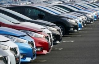 Otomobil fiyatları 1,5 yıl sonra ilk kez geriledi:...