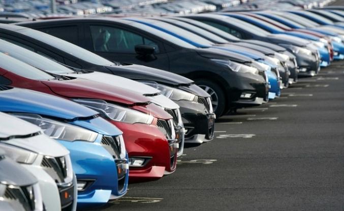 Otomobil fiyatları 1,5 yıl sonra ilk kez geriledi: En çok düşüş benzinlide